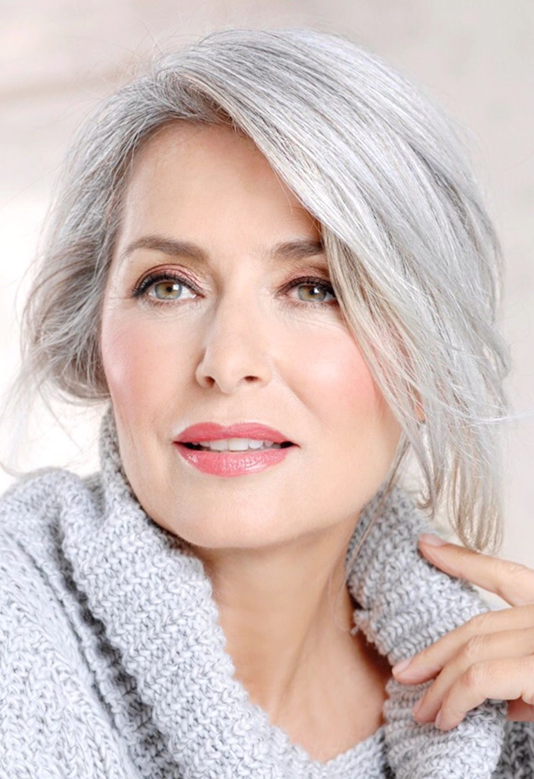 cheveux gris hyper tendance