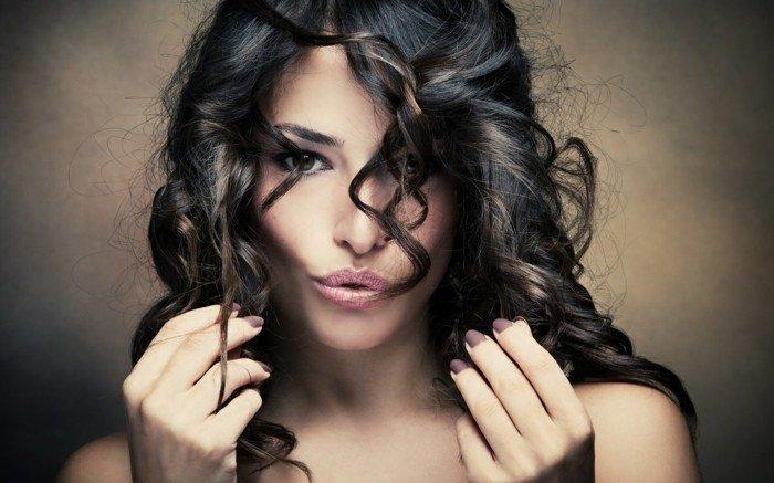 Prendre soin de ses cheveux bouclés