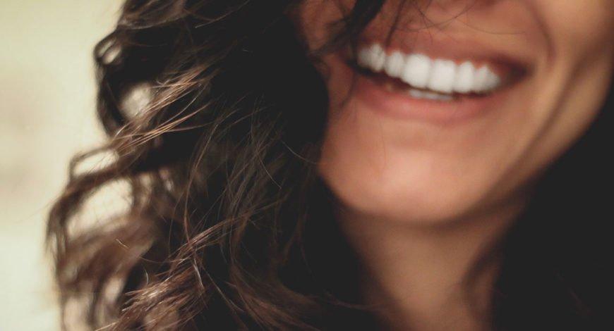 bienfaits du sourire pour la beauté et la santé