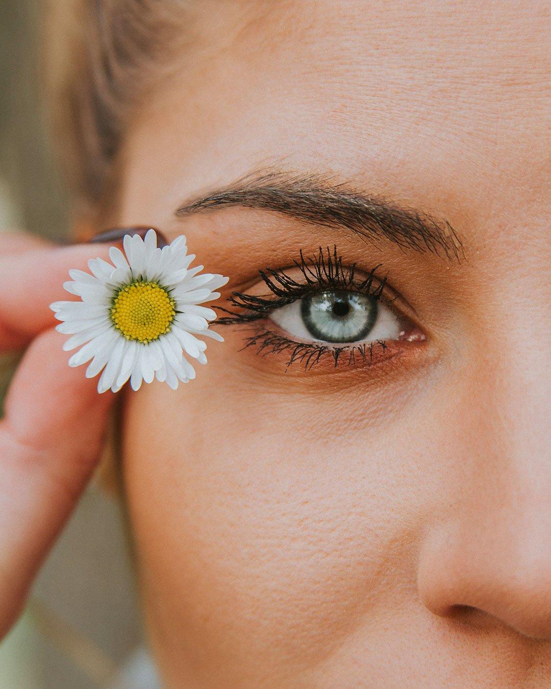Comment éviter les yeux gonflés?