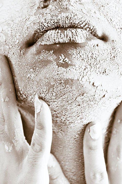 gommage visage pour prépare sa peau