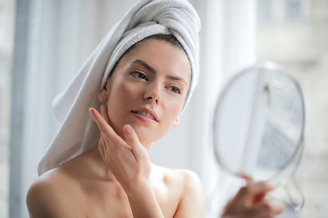 hydrater sa peau avec l'huile de soin fondamentale NYM