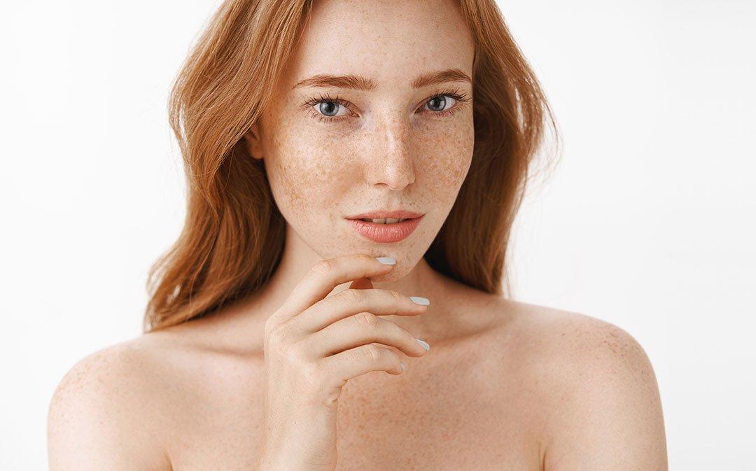 Rougeurs au visage: l'hydratation est primordiale